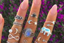 rings,lips,jewelry, makeup