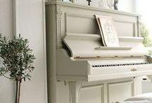 Pianos / Fortepiany