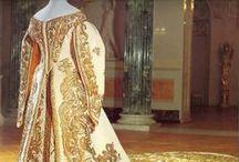 Moda con historia / Vestidos e indumentaria a través de la historia