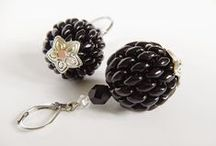 Earrings / Beading and bead embroidery inspirations