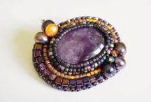 Brooches Bead embroidery / Broszki wykonane haftem koralikowym