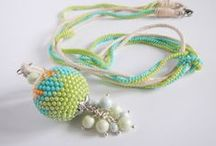Necklaces / Beading and bead embroidery inspirations
