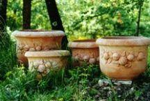 Contenitori/Containers / Tuscany Art crea vasi di ogni genere, lisci e con decorazioni meravigliose! Luca Vanni è il nostro artista e queste sono le sue creazioni!!!!  Tuscany Art creates pots of all kinds, smooth and decorated!! Luca Vanni is our artist and these are his creations!!!!