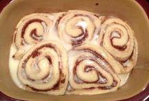 Covered Baker/Crock Pot / by Kelsey McMahan