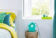 Colours on white /  Detalles de color / Os ponemos unos ejemplos de habitaciones  infantiles blancas con pequeños detalles llenos de color, que las convierten en espacios llenos de magia. Esperamos que os gusten.