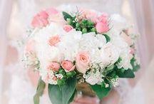 Wedding bells / weddingdresses, venues and beautiful flowers