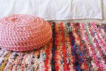 LA TENTE BERBERE / Graphique et géométrique, Zahara s'associe à Toi & Moi ainsi qu'aux unis dans une gamme de couleurs douces et actuelles.    Striking geometry : Zahara teams up with Toi & Moi and plains in a range of soft, uo-to-date shades.