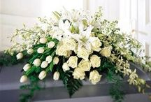 Funeral Flowers / @flourishoutlet