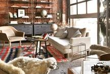 Inspiring Workspace / Working from home? Here are some spaces that inspire us!