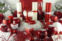 Noël  / Réalisez une table pour Noël : le rouge, couleur traditionnelle mais revisitée, cette déco de table sera surprenante!