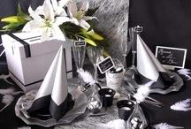 Ambiance noir et argent / Une décoration de table pour une réception chic ! Le noir très élégant est réchauffé par l'argent. L'argent apporte également de la lumière et de l'élégance.