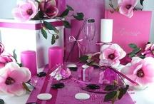 Décoration de table magnolia rose / ♪ Je ne sais plus com-ment faiiiiiire ♪ Les magnoliaaaas sont tou-jours lààà ♪  Rien de plus simple pour accessoiriser votre deco de table, on va vous aider !