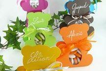 Contenants à dragées originaux / En décoration de table, à déposer simplement pour laisser se servir vos invités de dragées, chocolats... découvrez les différents contenants de table originaux et réutilisables.