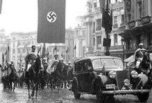 Historia / Aquí muestro pocas imágenes de la segunda guerra mundial y de lo que parece una extraña pintura egipcia.