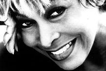 Tina Turner / Aquí muestro imágenes de una de mis cantantes favoritas. Que lo disfruten.