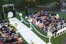 Outdoor Ceremonies / The Fox Hollow in Woodbury, Long Island accommodated both indoor & outdoor wedding ceremonies