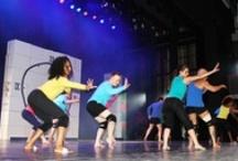 Spectacle de Danse 2013 Cercles de la Forme Théâtre Rutebeuf / Découvrez le dernier spectacle des Cercles de la Forme Juin 2013 au Théâtre Rutebeuf Clichy. Danse Orientale - Danse Africaine - Hip Hop - Modern Jazz - Ragga http://www.cerclesdelaforme.com