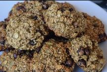 Healthy SNACK Ideas / Healthy, delicious and easy snacks to keep you on track and eating clean!