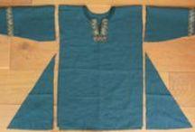 Kleding patronen en uitleg / Zelf je eigen Larp-kleding maken? Dan hebben wij voor jou een verzameling patronen van kleding in verschillende stijlen (voor onze verschillende evenementen). Voor de beginnende en gevorderde knutselaar.