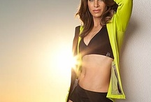 Jillian Michaels Workouts / Exercise videos and schedules to give you an amazing before and after. Get Jillian Michaels' best shape up moves, no equipment workouts, jump start diet secrets, ab exercises, and arm routines, and exercise circuits to strengthen your entire body or get back into shape after pregnancy.