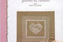 lovely books punto croce point de croix cross stitch / I miei libri preferiti di punto croce e non solo
