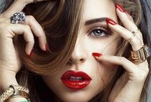 The Business of Makeup Artistry / branding, logos, negotiating, marketing and other business related ideas and advices for professional makeup artists and female entrepreneurs.