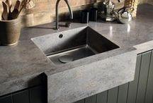 Küche / Die Küche ist mehr als nur ein Ort zum Kochen: Sie ist der gemütliche Mittelpunkt des Hauses. Hier finden Sie die unsere besten Ideen zum Einrichten - Küchen und Modulküchen namhafter Hersteller, Küchenarbeitsplatten, Küchenmöbel sowie Tipps für die Küchenplanung.