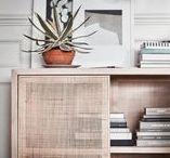 """IKEA Stockholm Kollektion 2017 / Die """"Stockholm""""-Kollektionen sind qualitativ das Hochwertigste, was Ikea zu bieten hat. Feine Materialien wie schimmernder Samt auf dem Sofa gesellen sich zu handgefertigten Accessoires. Ab April 2017 sind die Schönheiten zu haben. Viel Spaß beim Entdecken!"""