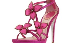 ~ I LOVE SHOES!!~ / by Sonia Shoemaker
