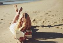 Llegir a l'aire lliure / Bons llocs per llegir a l'aire lliure, alguns inverosímils, peculiars, d'altres perfectes, però tots i cadascun d'ells ens agraden.