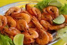 Gastronomia / Fisgando como peixe: pela boca. Na gastronomia, há pratos que a gente come com os olhos, não que eu entenda, mas, quero diversificar os painéis.