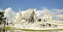 / THAILAND, MY TRAVEL BLOG / Discovering the white temple in Thailand is incredible experience! Just take a bus from Chiang Mai and do a day tour! It's pretty easy!
