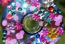Spring Crafts / Spring craft ideas for parents and children.  Great ideas to get kids involved in family activities