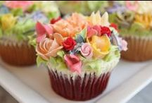 Cake decorating / Decorating tips, icing recipes and tons of decorating inspiration ideas!
