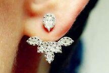 orecchini antichi e gioiello