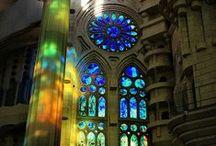 Gaudi / Geniusz Architektury