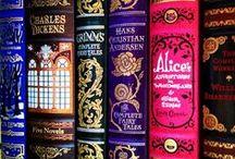 Ninas favoriter i biblioteket / My favourite books of all time