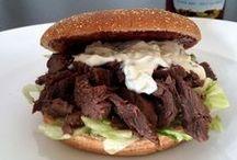 Pulled Beef - super lækkert! / Pulled Beef smager helt fantastisk! Kødet er mørt, smagfuldt og saftigt. Perfekt i en Pulled Beef Burger med salat, tzatziki og BBQ sauce, men også rigtig lækker med en masse grønt tilbehør.