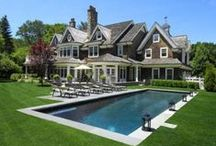 The Hamptons homes / A place to hob nob with celebrities while getting some R&R