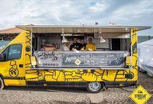 Il nostro FOOD TRUCK / Il nostro Food Truck e i nostri amati clienti