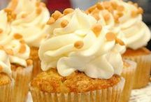 Summer-y cupcakes / Sunny summer days filled with cupcakes a dozen ways
