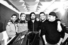 Band / I musicisti che hanno suonato e suonano assieme a Davide Lucchini, hanno fatto parte delle registrazioni degli album e lo accompagnano nei live. http://www.davidelucchini.com/ ::: In collaborazione con Magrini Group http://www.pistamagrini.net