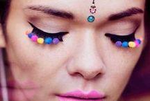se joga na make / Delineado gatinho, bocas coloridas e blush! Aqui você vai ver muita maquiagem.