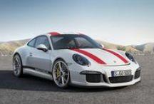 Nuevo Porsche 911 R / Llega el nuevo 911 R serie especial limitada. Motor bóxer atmosférico de cuatro litros y 500 caballos de potencia. Con aspecto de 911 clásico pero con tecnología GT de competición. Un lobo con piel de cordero.
