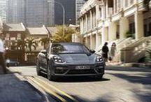 Nuevo Porsche Panamera / Llega la berlina de lujo más rápida de la Tierra. El nuevo Porsche Panamera. El coraje de cambiar.