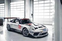 Nuevo Porsche 911 GT3 Cup / Llega el nuevo Porsche 911 GT3 Cup, que se encontrará en la parrilla de salida de los circuitos de todo el mundo a partir de 2017.