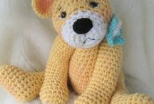Teddy Bears / Bears, Stuffed Animals.