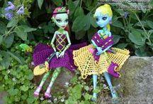 Meine MonsterHigh Mode / Alles was ich so für meine Monster High Dolls gestrickt, gehäckelt oder genäht habe.