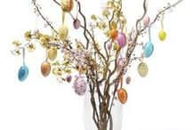 Easter Home Decorating Ideas / Ideas for decorating your home for Easter, including dining table styling ideas.