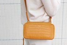 【CHARUER(シャルエ)】FB29236 / 【CHARUER(シャルエ)】 お財布ですがショルダーの紐が付いておりますので、 ちょっとしたお出掛けや旅行にピッタリなアイテムです。 http://www.hecrou-online-store.com/?pid=99303813